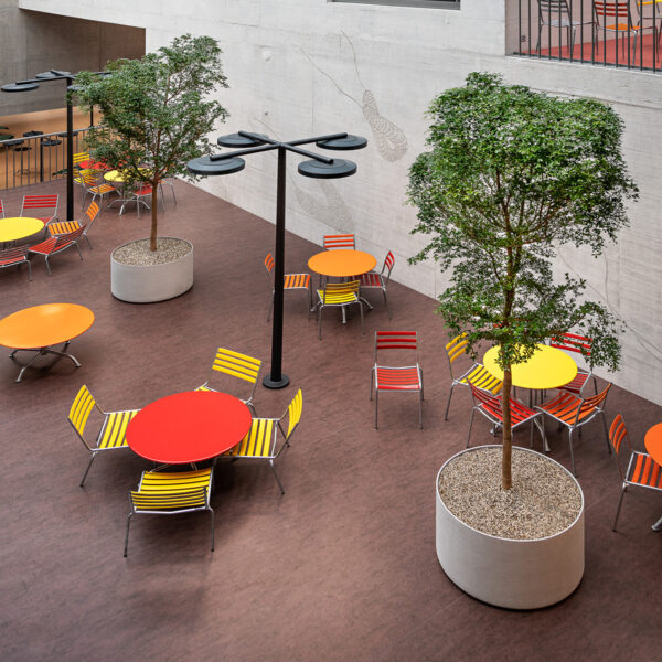 Custom-made Delta planter for the interior greening of the new ZHAW campus in Winterthur